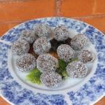 Chocolate Coconut Amaze Balls - www.ohlardy.com